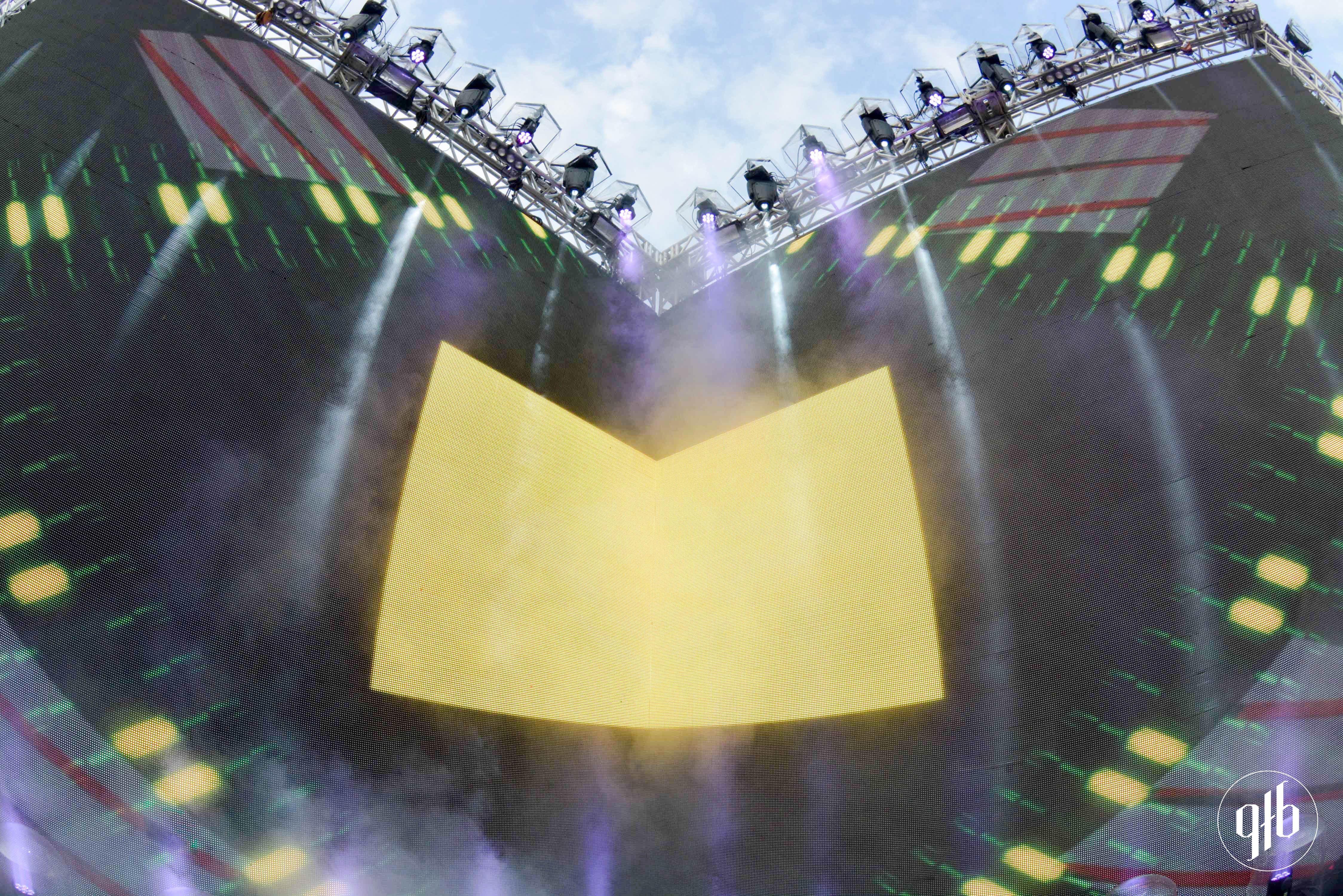 SÓ TRACK BOA – Carnaval Eletrônico – Complexo Jequitimar 06/02
